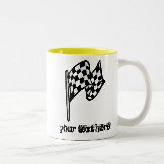 Bandera a cuadros; amarillo taza de café