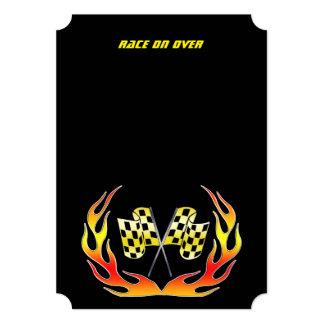 """Bandera a cuadros y llamas del oro invitación 5"""" x 7"""""""
