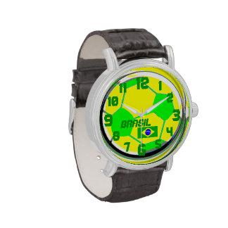 Bandera adaptable del fútbol y el Brasil conocido Relojes De Pulsera