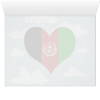 Bandera afgana en un fondo nublado