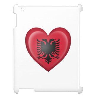 Bandera albanesa del corazón en blanco