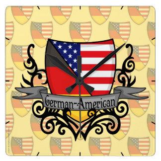 Bandera Alemán-Americana del escudo Reloj