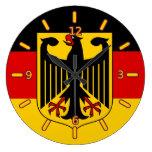 Bandera alemana con el reloj del escudo (con númer