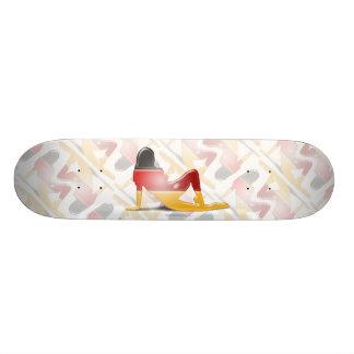 Bandera alemana de la silueta del chica tabla de skate