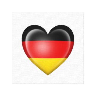 Bandera alemana del corazón en blanco lienzo envuelto para galerias
