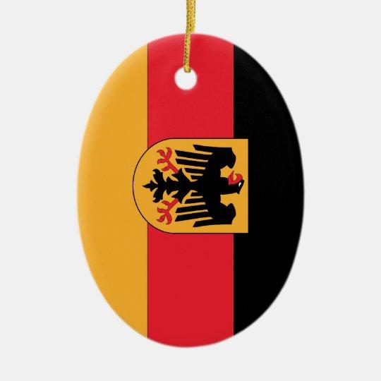 Bandera alemana del escudo de armas adorno navideño ovalado de cerámica