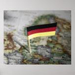 Bandera alemana en mapa póster