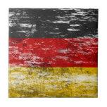Bandera alemana rascada y llevada teja cerámica
