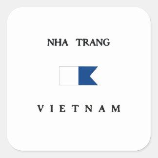 Bandera alfa de la zambullida de Nha Trang Vietnam Pegatina Cuadrada