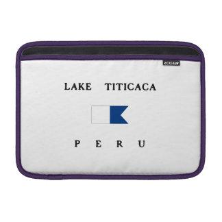 Bandera alfa de la zambullida del lago Titicaca Funda Para Macbook Air