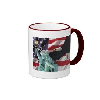 Bandera americana con American Eagle y señora Libe Tazas De Café