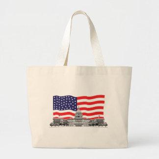 Bandera americana con el edificio del capitolio de bolsa