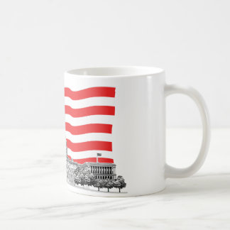 Bandera americana con el edificio del capitolio de taza