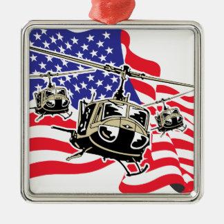 Bandera americana con los helicópteros adorno navideño cuadrado de metal
