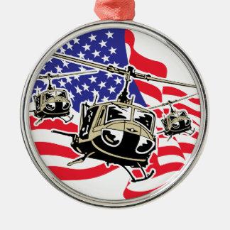 Bandera americana con los helicópteros adorno navideño redondo de metal