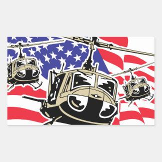 Bandera americana con los helicópteros pegatina rectangular