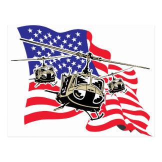 Bandera americana con los helicópteros postal