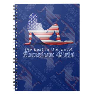 Bandera americana de la silueta del chica libros de apuntes con espiral