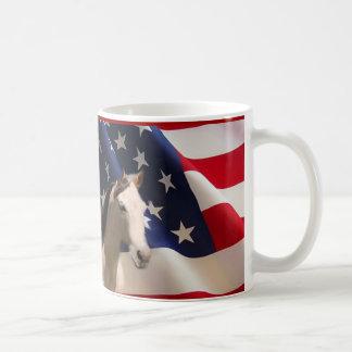 Bandera americana de la taza del caballo