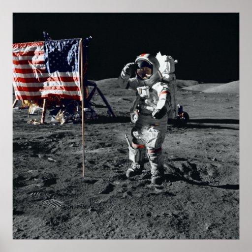 Bandera americana de los saludos del astronauta de póster