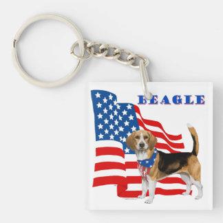 Bandera americana del beagle patriótico llavero cuadrado acrílico a doble cara