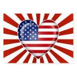 Bandera americana del corazón con la explosión de  tarjetas de negocios