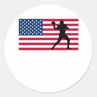 Bandera americana del estratega del fútbol etiquetas redondas