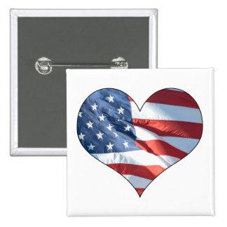 Bandera americana en forma de corazón patriótica pin cuadrado