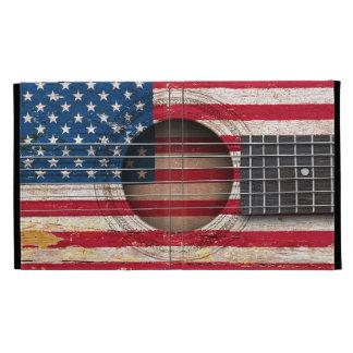 Bandera americana en la guitarra acústica vieja