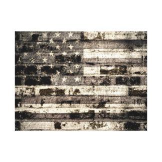 Bandera americana en la pared de ladrillo vieja 2 lienzo envuelto para galerias