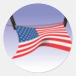 Bandera americana en línea de ropa pegatinas redondas