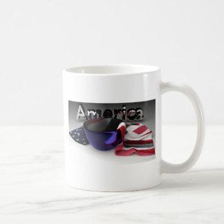 Bandera americana en un cuenco taza clásica