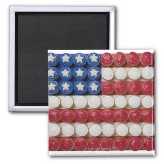 Bandera americana hecha de magdalenas imán cuadrado