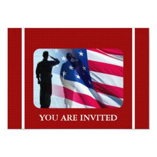 """Bandera americana patriótica con el soldado de invitación 5"""" x 7"""""""