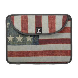Bandera americana patriótica llevada y envejecida funda para macbooks