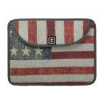 Bandera americana patriótica llevada y envejecida funda macbook pro