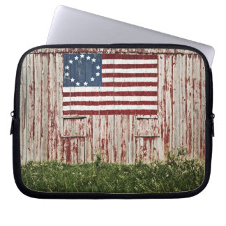 Bandera americana pintada en granero fundas ordendadores