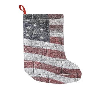 Bandera americana pintada en textura de la pared calcetín de navidad pequeño