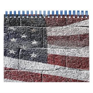 Bandera americana pintada en textura de la pared calendario