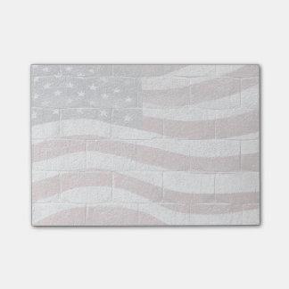 Bandera americana pintada en textura de la pared nota post-it®