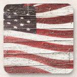 Bandera americana pintada en textura de madera posavaso