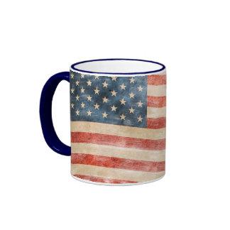 Bandera americana pintada vintage de la mirada taza de dos colores