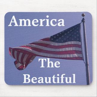 Bandera americana que agita con el texto adaptable alfombrillas de ratón