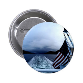 Bandera americana que agita del barco Alaska Pin