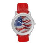 Bandera americana que agita relojes de pulsera