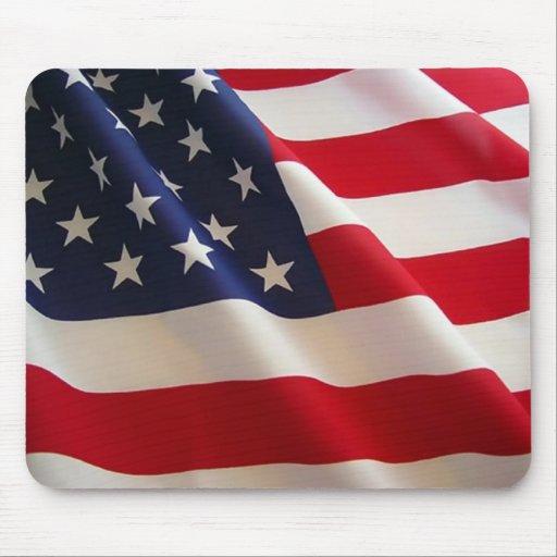 Bandera americana que agita tapetes de raton