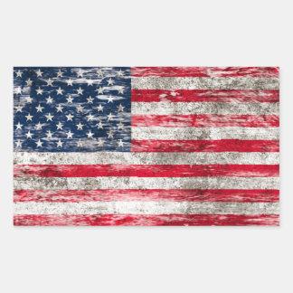 Bandera americana rascada y llevada etiquetas