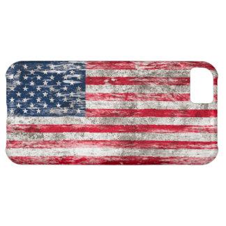 Bandera americana rascada y llevada