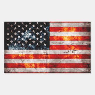 Bandera americana resistida del vintage pegatina rectangular