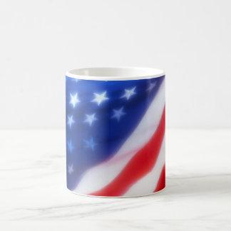 Bandera americana taza básica blanca